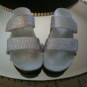 Vionic Silver Samoa Strap Sandals